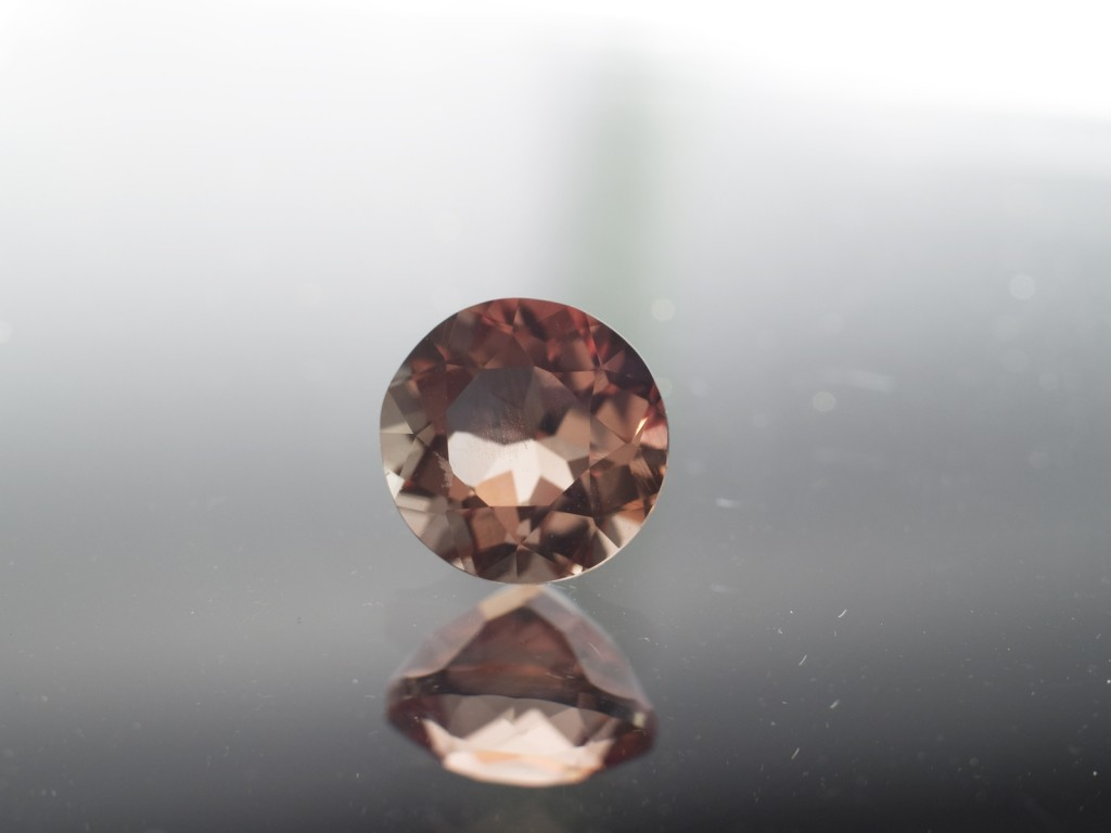 1.30 Carat Oregon Sunstone, 7mm Round