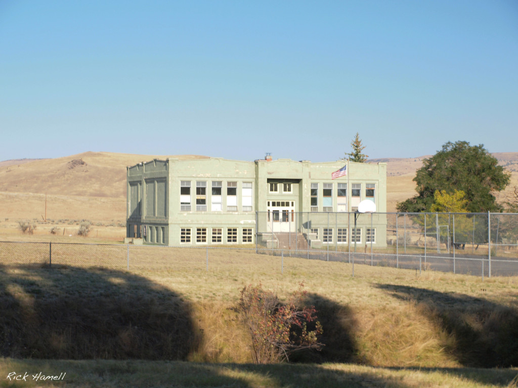 Antelope, Oregon, School