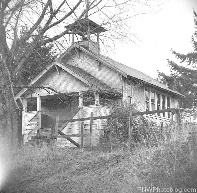 Abandoned school at Hoskins - 1965