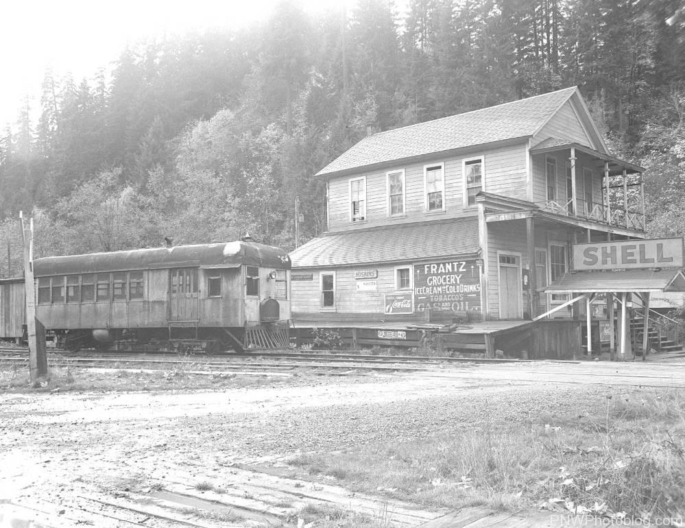 Frantz Grocery Story at the railroad station of Hoskins, Oregon, 1942